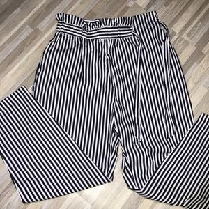 New Zara navy & white stripped pants.